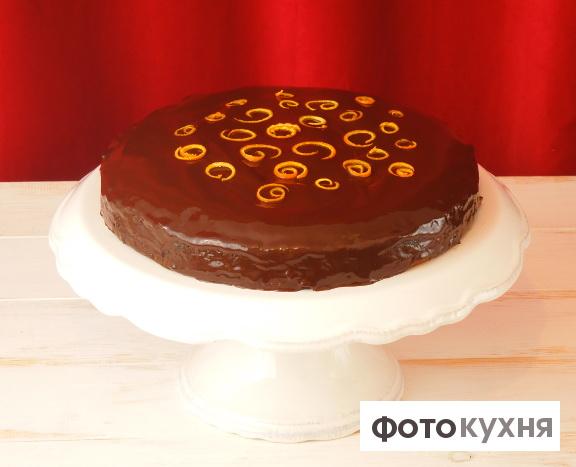 Миндальный торт в шоколадной глазури