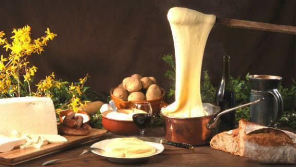 Алиго ( картофельное пюре с сыром)