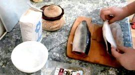 Как посолить сельдь в домашних условиях вкусно и быстро