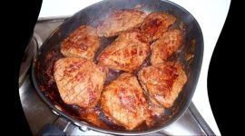 Как пожарить мясо свинины на сковороде