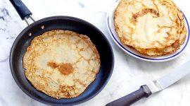 Как правильно печь блины на сковороде