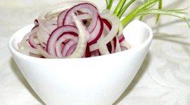 Как правильно замариновать лук для салата