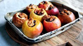 Как правильно запечь яблоки в духовке