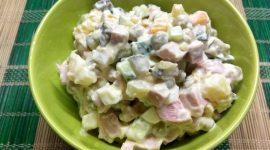 Как приготовить салат оливье с колбасой