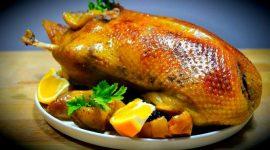 Как приготовить утку чтобы она была мягкой и сочной в духовке в рукаве