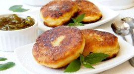 Как сделать сырники из творога пышными на сковороде