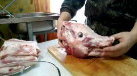 Как сварить холодец из свиной головы