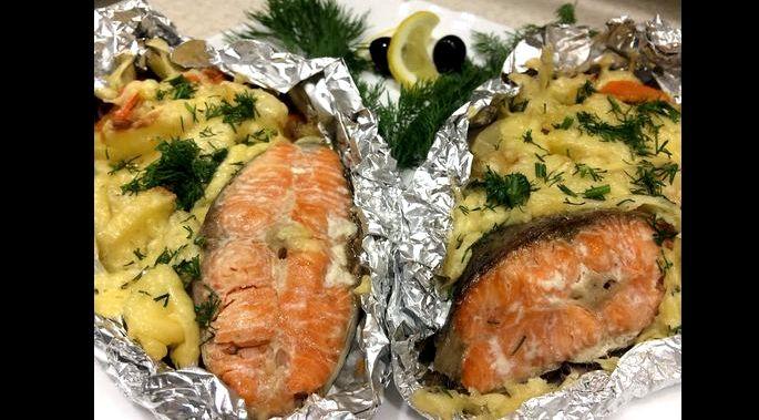Как запечь красную рыбу в фольге в духовке