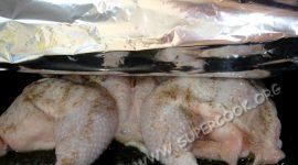 Как запечь курицу в духовке в рукаве для запекания