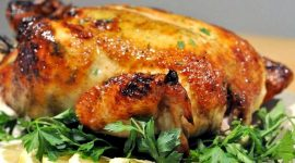 Как запечь курицу в духовке в рукаве