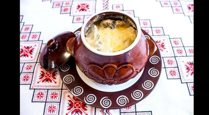 Блюда в горшочках с грибами и картошкой