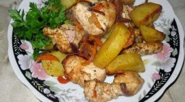Куриная грудка запеченная с картошкой в духовке