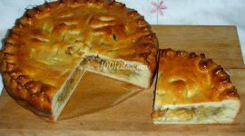 Пирог из дрожжевого теста в духовке с начинкой