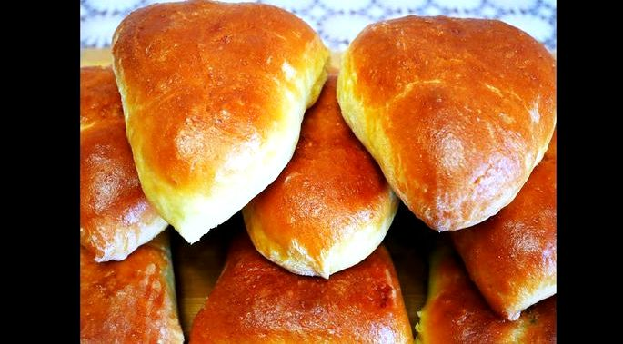 Пирожки из бездрожжевого теста в духовке получается мягкое, хрустящее