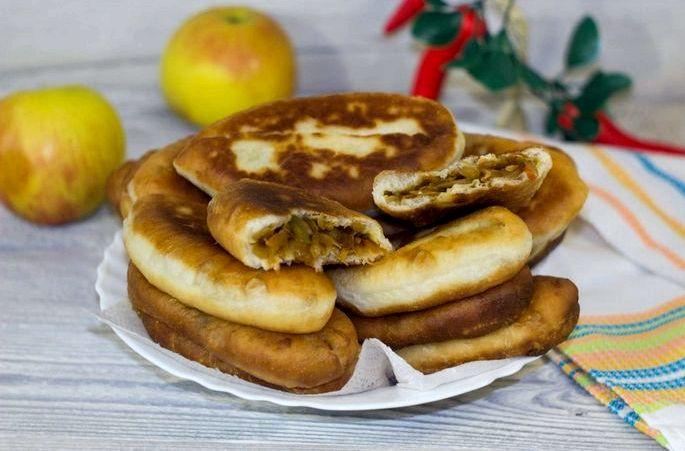 Пирожки с квашеной капустой жареные на сковороде кг                 сухие дрожжи 10 гр