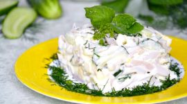 Рецепт салата с кальмарами и свежим огурцом и яйцом