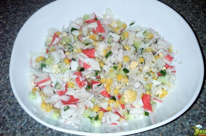 Рецепт салата с рисом и крабовыми палочками Если захотите приготовить крабовый постный