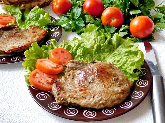 Рецепт стейка из свинины на сковороде Чеснок - пара зубчиков по желанию
