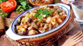 Рецепт тушеных баклажанов с помидорами и чесноком