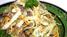Салат из редьки с мясом и жареным луком