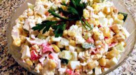 Салат с крабовыми палочками и кукурузой классический рецепт с фото