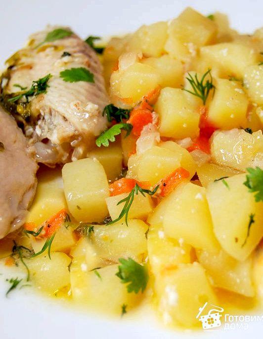 Тушеный картофель с курицей в кастрюле Хорошо подходит для тех