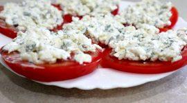Закуска помидоры с сыром и чесноком