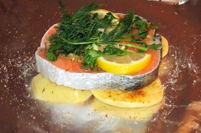 Как вкусно приготовить красную рыбу в фольге